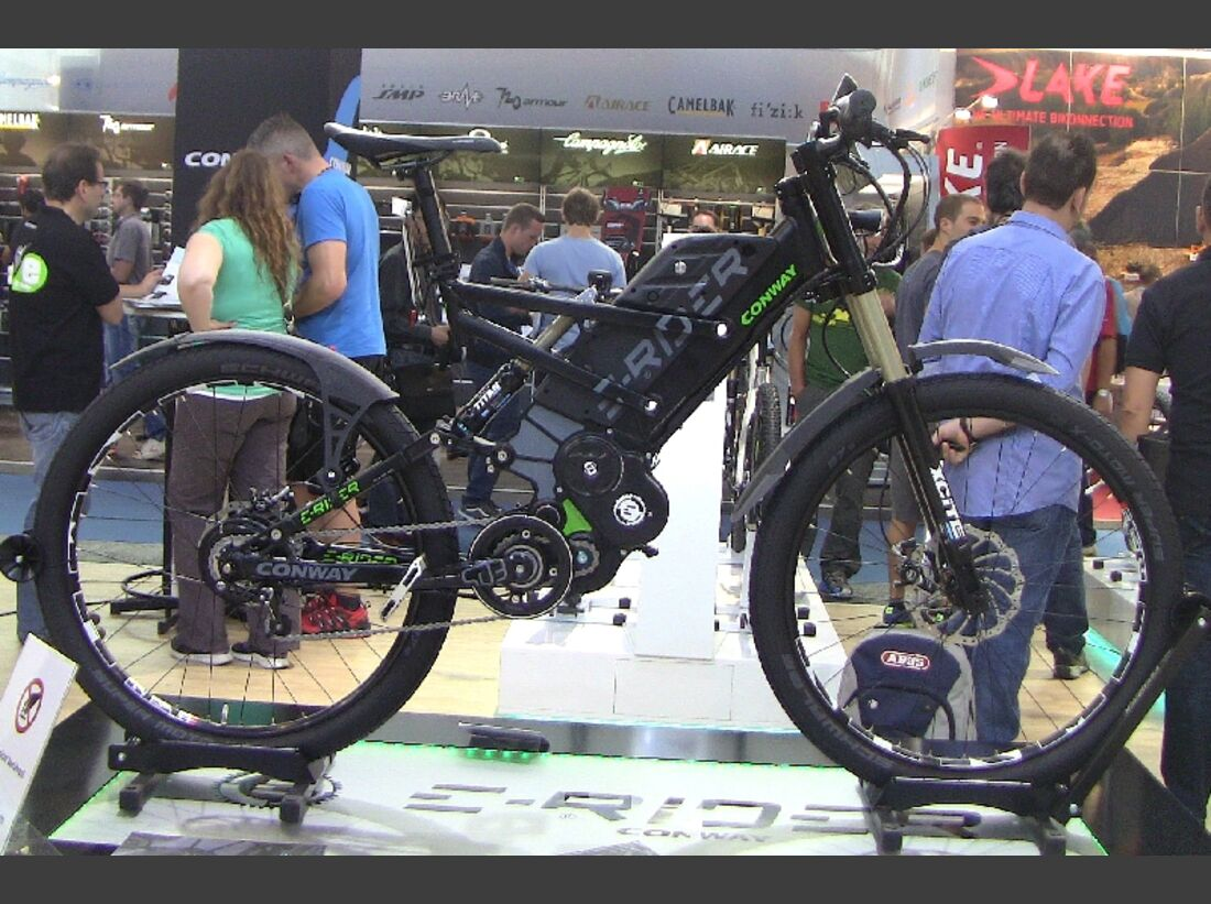 UB-Eurobike-2013-conway-e-rider-extreme-und-street-IMG_0279-e-rider-street-andere-rechts (jpg)