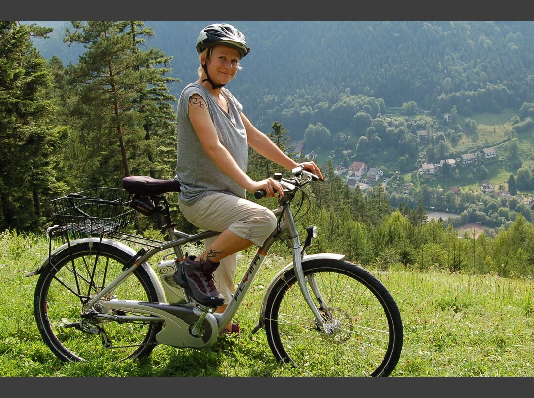 UB_Schwarzwald_E-Bike_Action_Touristik_Bad_Wildbad1 (jpg)