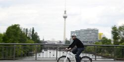 ub-smart-e-bike-test-action-1-berlin (jpg)